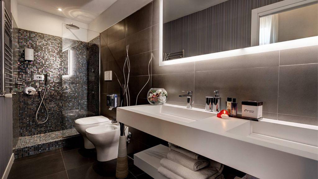 Dharma-luxury-hotel-deluxe-suite-new