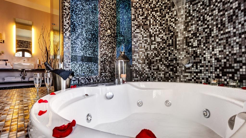 classic-wellness-02-dharma-luxury-hotel-2560