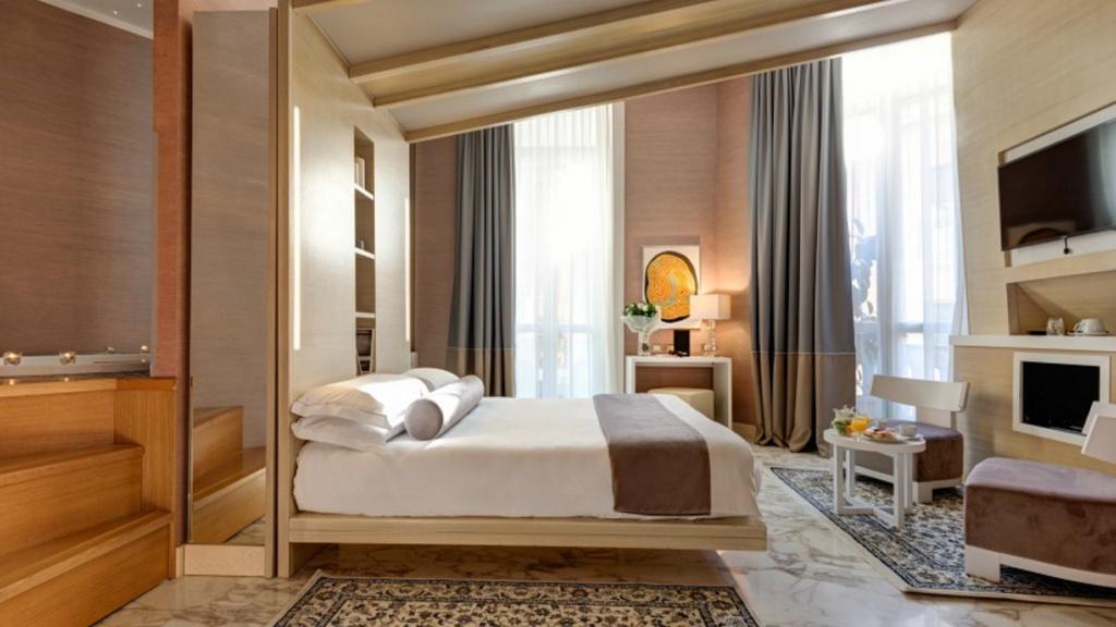 deluxe2-dharma-luxury-hotel-2560