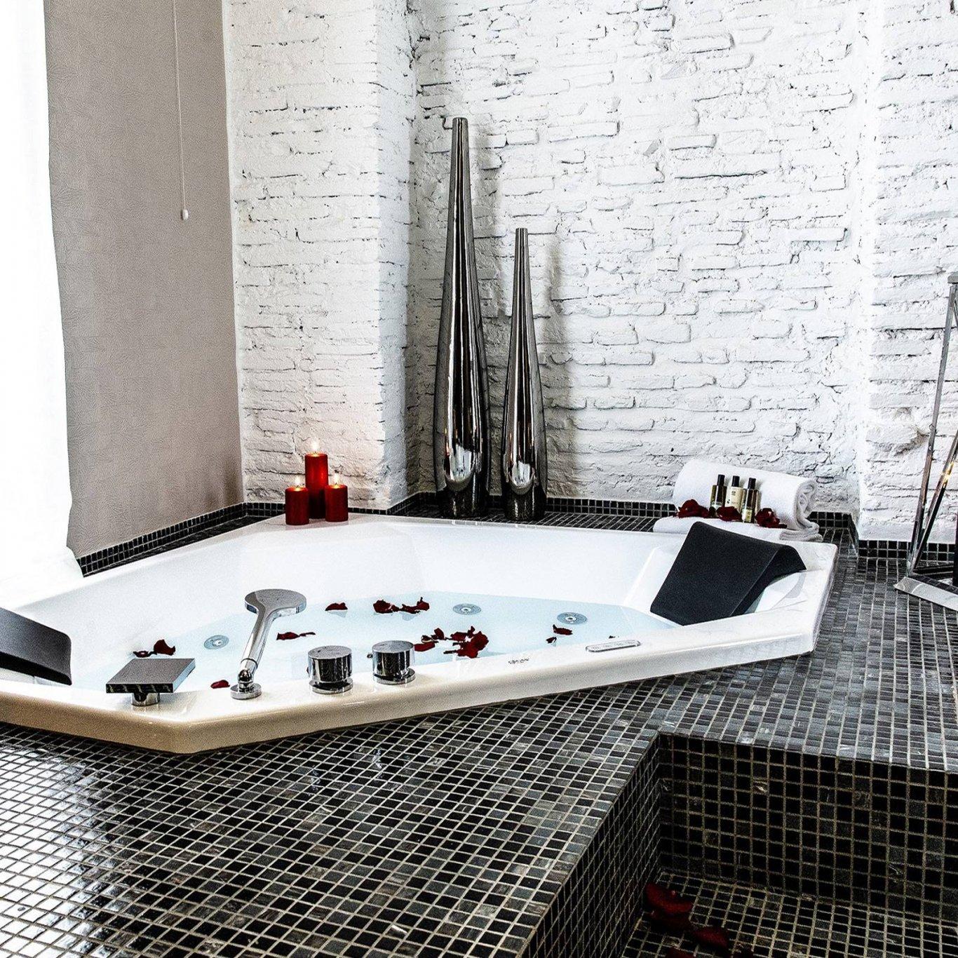 Dharma-luxury-hotel-wllness-suite-new-4-1