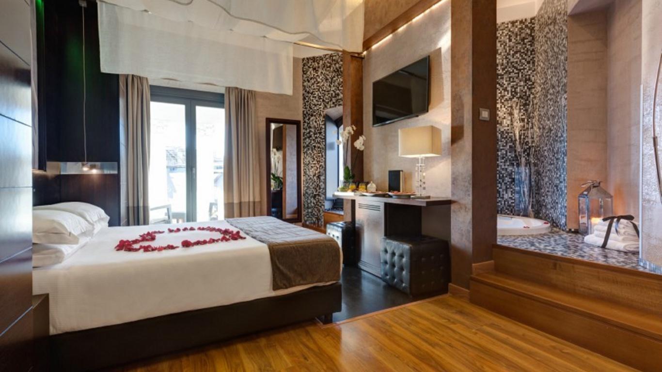 Royal4-dharma-luxury-hotel-2560