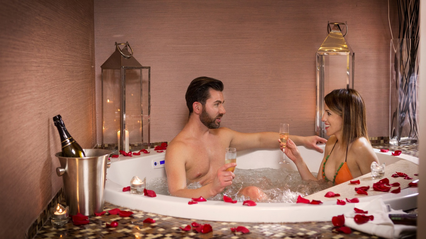 deluxe-03-dharma-luxury-hotel-2560