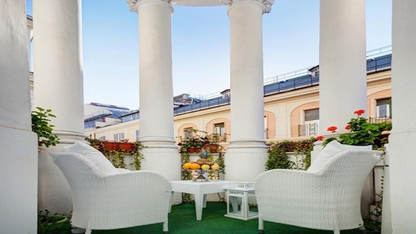 deluxe1-dharma-luxury-hotel-2560