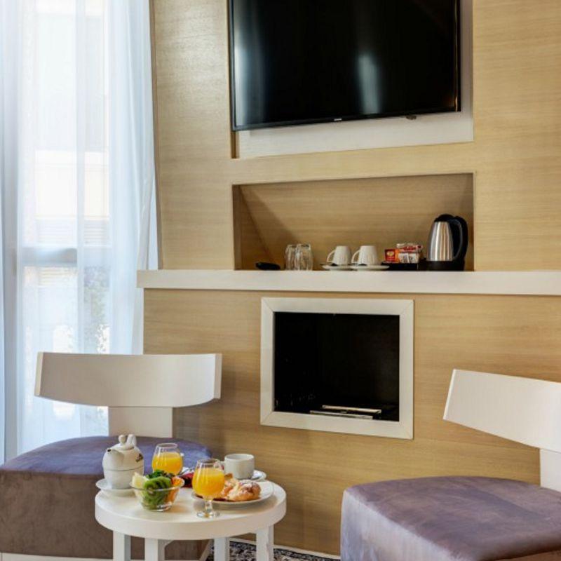 deluxe8-dharma-luxury-hotel-1600