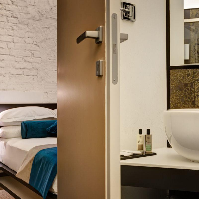 smart-02-dharma-luxury-hotel-1600